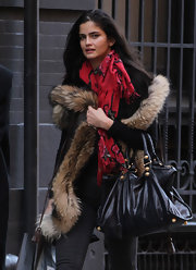 Shermine Shahrivar carried a roomy leather tote while out shopping in NYC.