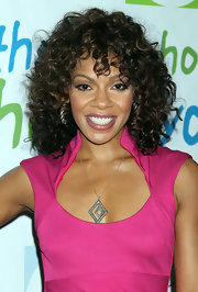 Wendy Raquel Robinson accessorized with a unique geometric pendant necklace at the Silver Rose Gala and Auction.