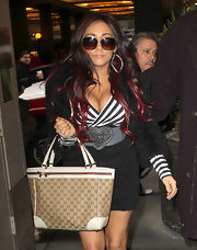 Nicole Polizzi wore this oversize heart belt while paying a visit to 'Live With Kelly' in NY.