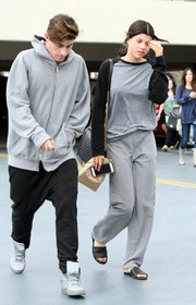 Sofia Richie stayed casual in a long-sleeve gray and black raglan tee while visiting a medical building.