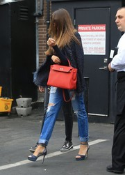 Sofia Vergara finished off her outfit with a pair of blue platform sandals.