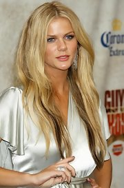 Brooklyn Decker added a touch of warm strawberry pink lipstick to her look for Spike TV's Guys' Choice Awards.