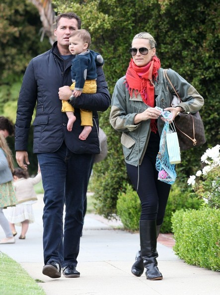 More Pics of Molly Sims Solid Scarf (5 of 7) - Molly Sims Lookbook - StyleBistro