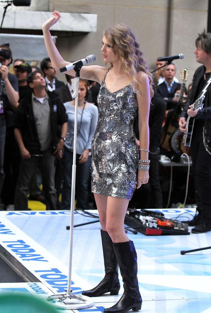 Taylor Swift Knee High Boots Taylor Swift Looks