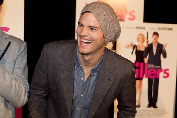The actor topped off his red carpet look with a tan knitted beanie.
