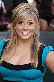 Shawn Johnson's messy half-up half-down 'do at the 'Twilight' premiere had a slightly edgy feel.