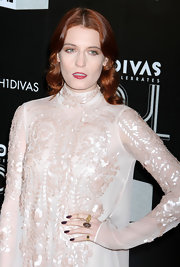 Florence Welch added a pop of deep aubergine polish to her pale ensemble at VH1 Divas Celebrates Soul.