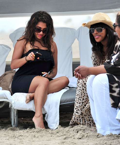 Vanessa White And Alexandra Burke Hanging Out In Miami 2