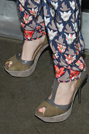 Mary Elizabeth Ellis' platform sandals gave her a cool and contemporary look while attending an event in California.