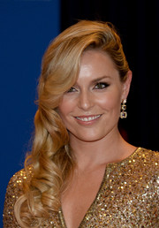 Lindsey Vonn showed her more glamorous side with this curly side sweep at the White House Correspondents' Association Dinner.