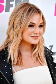 Olivia Holt looked fab with her piecey waves and parted bangs during KIIS FM's Wango Tango 2017.