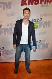 Ryan Seacrest's navy blazer added a chic and dapper look to the TV host's plain white tee and jeans.