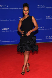 Kerry Washington opted for minimal styling with a pair of black Stuart Weitzman Nudist sandals.