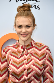 Holland Roden looked cute wearing this top knot at the Empathy Rocks fundraiser.