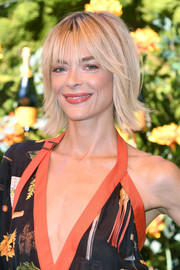 Jaime King looked cool and cute with her layered razor cut at the 2019 Veuve Clicquot Polo Classic Los Angeles.