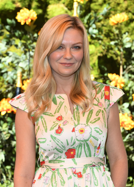 More Pics of Kirsten Dunst Long Wavy Cut (1 of 9) - Long Hairstyles Lookbook - StyleBistro [hair,clothing,hairstyle,fashion,botany,dress,blond,plant,street fashion,long hair,arrivals,kirsten dunst,los angeles,pacific palisades,california,will rogers state historic park,veuve clicquot polo classic]