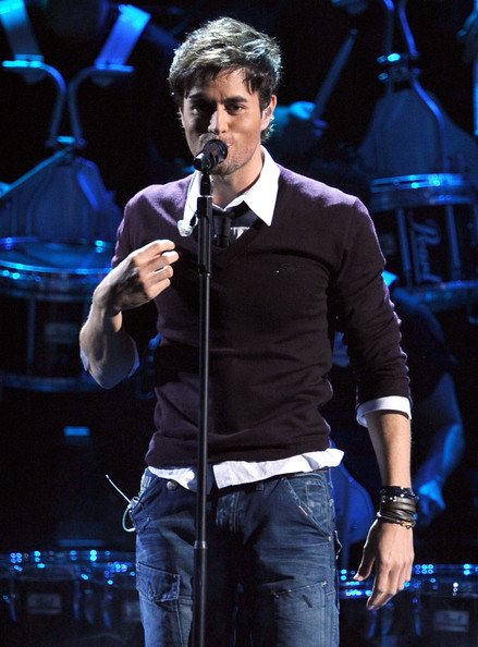 Enrique Iglesias Jeans October 2017