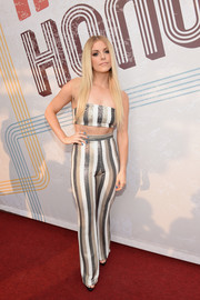 Lindsay Ell gave her look a '70s flavor with a pair of striped wide-leg pants.