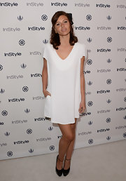 Alyson chose a flowing tent dress for her easy, breezy look at InStyle's Summer Soiree.