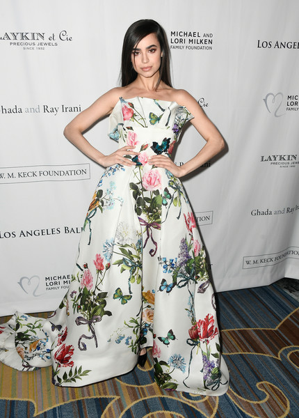 Look of the Day: February 26th, Sofia Carson