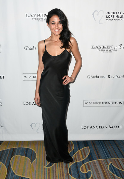 More Pics of Emmanuelle Chriqui Side Sweep (1 of 5) - Long Hairstyles Lookbook - StyleBistro [dress,clothing,shoulder,fashion model,gown,fashion,cocktail dress,hairstyle,formal wear,little black dress,arrivals,emmanuelle chriqui,beverly hills,california,beverly wilshire four seasons hotel,los angeles ballet gala]