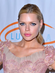 Sophie Monk wore her hair in a simple polished ponytail for the 12th Annual Lupus LA Orange Ball.