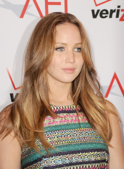 More Pics of Jennifer Lawrence Long Wavy Cut (4 of 8) - Long Wavy Cut Lookbook - StyleBistro