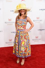 Giada De Laurentiis paired her dress with simple nude platform peep-toes.