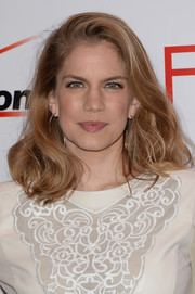 Anna Chlumsky opted for a simple wavy 'do with a deep side part when she attended the AFI Awards.