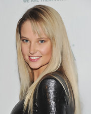 Genevieve Morton stuck to her usual long straight cut with bangs when she attended the ASPCA Bergh Ball.