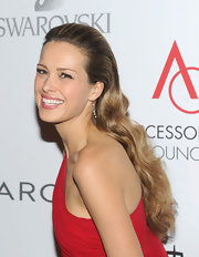 Petra Nemcova smoothed her hair back for the 15th Annual Ace Awards and left her long lengths curl casually.