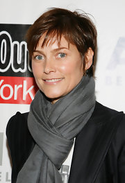 Carey Lowell looked adorable all bundled up in a slate gray knit scarf at ARTWALK NY.