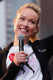 Olivia Wilde participated in the 15th Annual EIF Revlon Run/Walk for Women wearing her hair in a sleek sporty ponytail.