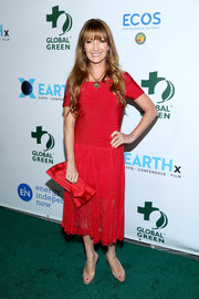 Jane Seymour attended the Global Green pre-Oscar gala wearing an off-the-shoulder red bandage dress with a lace skirt.