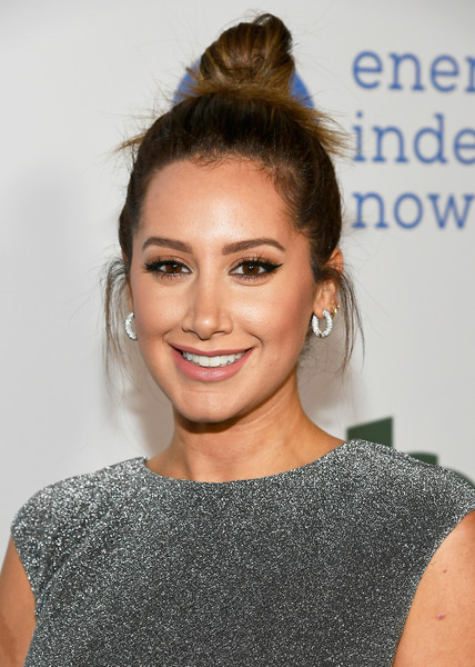 More Pics of Ashley Tisdale Hair Knot (1 of 4) - Updos Lookbook - StyleBistro [hair,face,hairstyle,eyebrow,bun,beauty,lip,shoulder,chin,long hair,ashley tisdale,neuehouse hollywood,los angeles,california,global green pre oscar party]