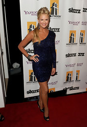 Nancy O'Dell sparkled in a one-shoulder midnight blue cocktail dress for the Hollywood Film Awards.