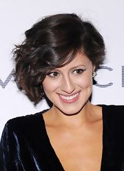 One of our favorite fashion bloggers, Karla Deras, has the cutest short 'do ever!