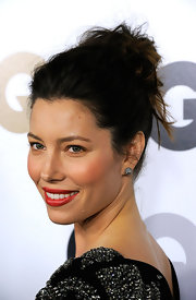 Jessica Biel wore her hair in a casual, messy updo at the 16th Annual GQ Men of the Year party.