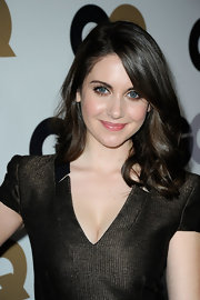 Curled ends added lots of volume to Alison Brie's hair when she attended the GQ Men of the Year party.