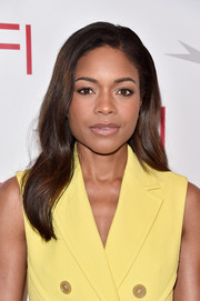 Naomie Harris opted for a subtly wavy, side-parted hairstyle when she attended the AFI Awards.