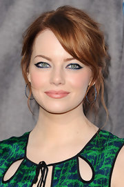 Emma Stone lined her eyes with a shimmery dark sea-blue liner at the 17th Annual Critics' Choice Movie Awards.