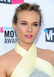 Diane Kruger wore a pretty pop of pink lipstick at the 17th Annual Critics' Choice Movie Awards.