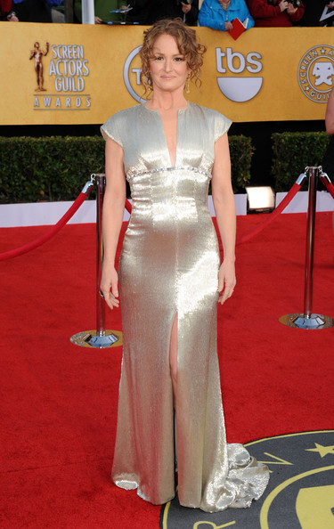Melissa was shining in a beaded cap sleeve gown with Old Hollywood style.