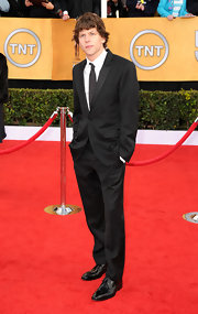 Jesse looked dapper at the SAG Awards in a sophisticated black suit.