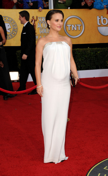 http://www1.pictures.stylebistro.com/gi/17th+Annual+Screen+Actors+Guild+Awards+Arrivals+dkyihL5u7cdl.jpg