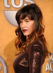 Paz de la Huerta wore her trademark messy-glam curls in a half-up half-down style at the Screen Actors Guild Awards.
