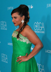 Mindy Kaling rocked statement jewels at the 2015 Costume Designers Guild Awards.