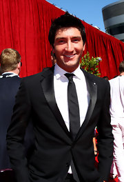 Evan paired his tuxedo suit with a basic black tie for the ESPY Awards.