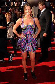 We loved Jill's vibrant, printed dress. The draped skirt accentuated her curves and added a unique touch.