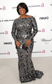 Niecy dazzled at Elton John's AIDS Foundation party in a sequin saturated evening dress with long sleeves and a sweet boat neck design.
